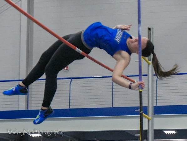 04-07-18 Etown at F&M Pole Vaulting