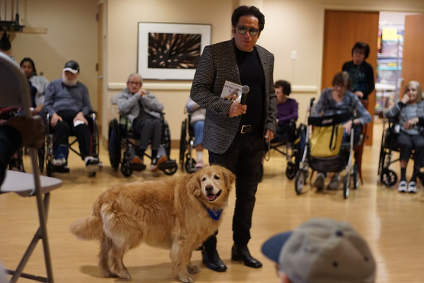 Sky the Magical Dog Visit the Jewish Home