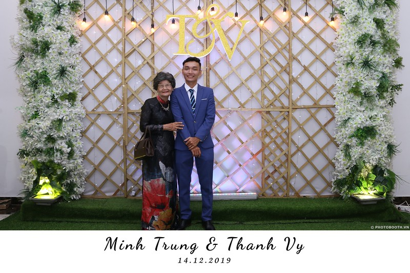Trung-Vy-wedding-instant-print-photo-booth-Chup-anh-in-hinh-lay-lien-Tiec-cuoi-WefieBox-Photobooth-Vietnam-007.jpg