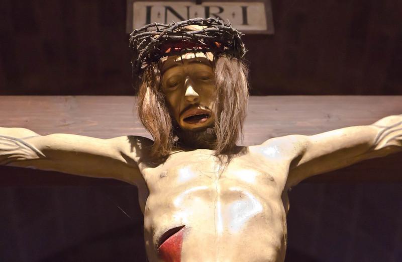 Heilsbronn, Münster: Kruzifix des Kreuzaltars, Detail (1461)