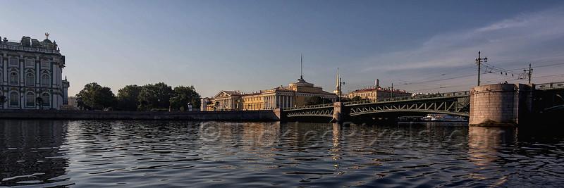 Dvortsoviy Bridge over the Neva River