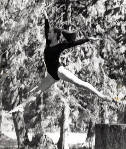 Dance_1874_a.jpg