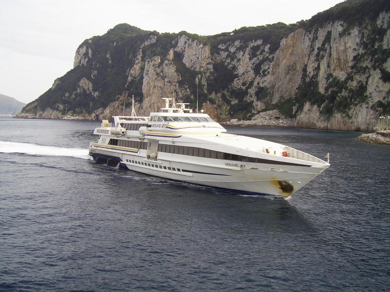 2007 - HSC VESUVIO JET arriving to Capri.