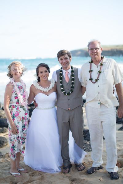 gillin beach kauai wedding-156.jpg