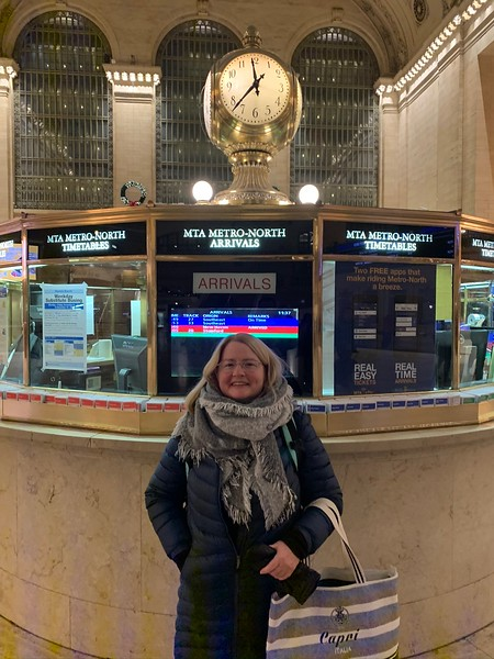 2019-12-19 Sharon in Grand Central Station NYC - 2.JPEG