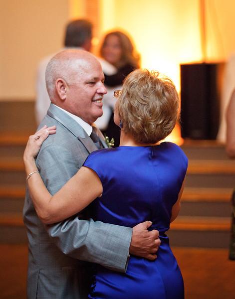 Parents of the bride dancing.jpg