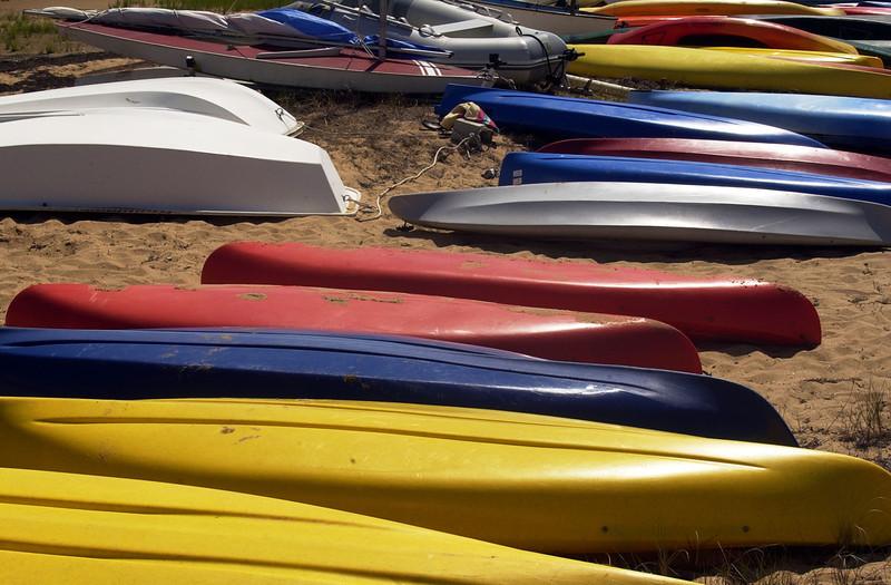 Martha's Vineyard Saturday, July 17, 2004. LOBSTERVILLE TOWN BEACH( Damon Dahlen / The Washington Times ) http://www.washingtontimes.com/ (Damon Dahlen/Washington Times)