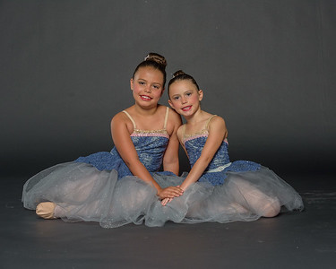 Isabelle and Daniella Watenpaugh