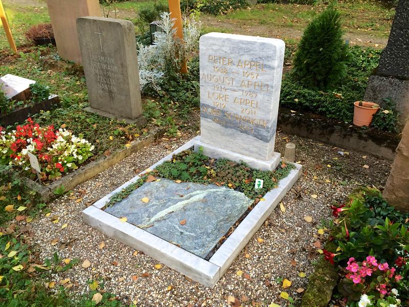 Marmor Urnengrab