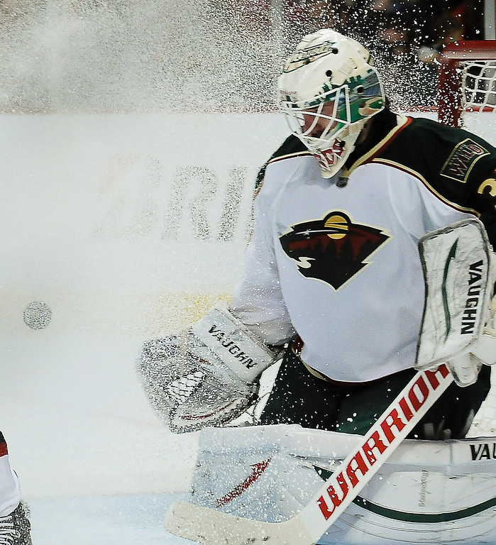 . Minnesota Wild goalie Josh Harding gets a face full of ice during the second period. Minnesota lost 5-2. (Pioneer Press: Ben Garvin)