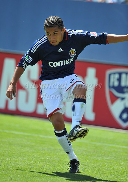 29, March 2009:  Chivas USA middle Gerson Mayen #24in action during the soccer game between FC Dallas & Chivas USA at the Pizza Hut Stadium in Frisco,TX. Chivas USA  beat FC Dallas 2-0.Manny Flores/Icon SMI