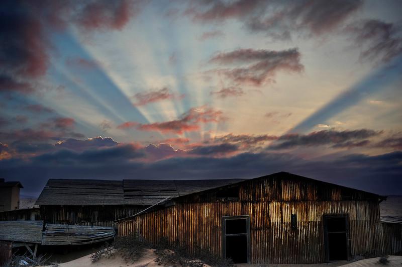 Kolmanskop-sunrise.jpg