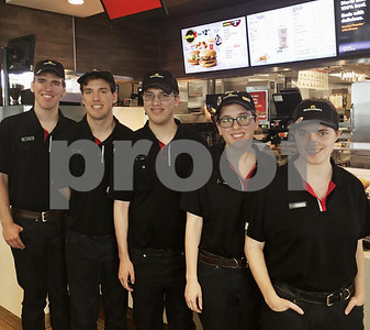 michigan-quintuplets-work-first-jobs-together-at-mcdonalds