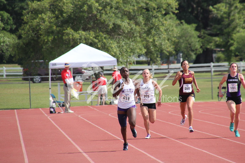 NAIA_Womens400m_J3_GMS05272016_GMS003.jpg