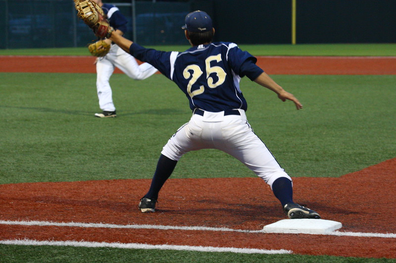\\hcadmin\d$\Faculty\Home\slyons\HC Photo Folders\HC Baseball_State Playoffs_2012\20120513_127.JPG
