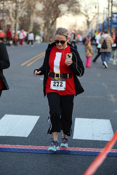 Toms River Police Jingle Bell Race 2015 - 01214.JPG