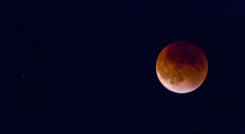 2015-09-27-moon-lunar-eclipse-seattle-moon-1.jpg