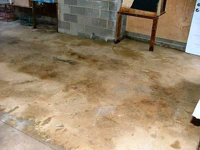Garage Floor Cleaning 2004