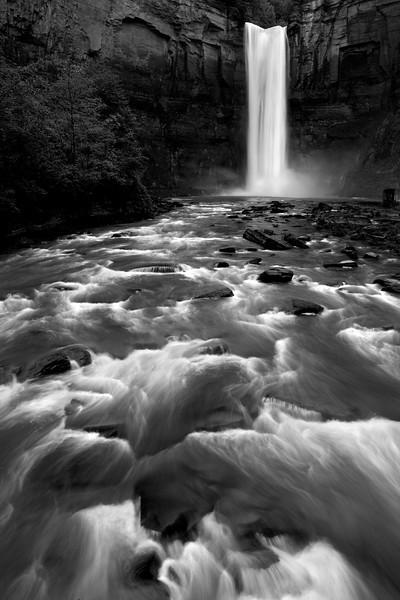 XK4L6803 Ithaca Waterfall.jpg