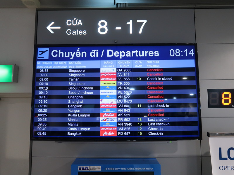 IMG_8945-cancelled-departures.JPG