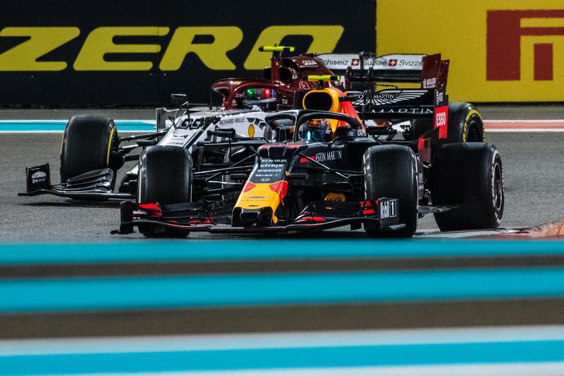Alexander ALBON overtaking Antonio Giovinazzi, UAE/Abu Dhabi, 20