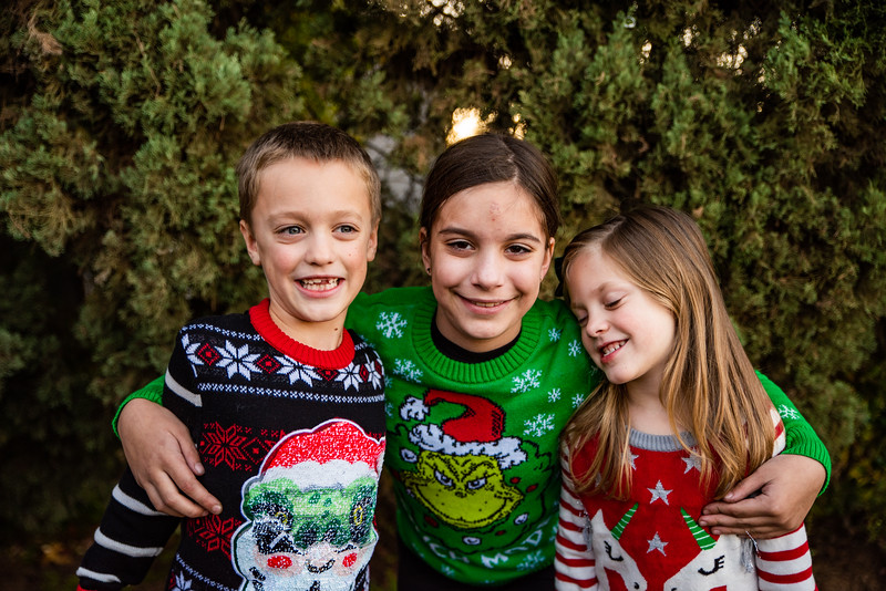 Christmas Sweater Cousins 2020-6807.jpg