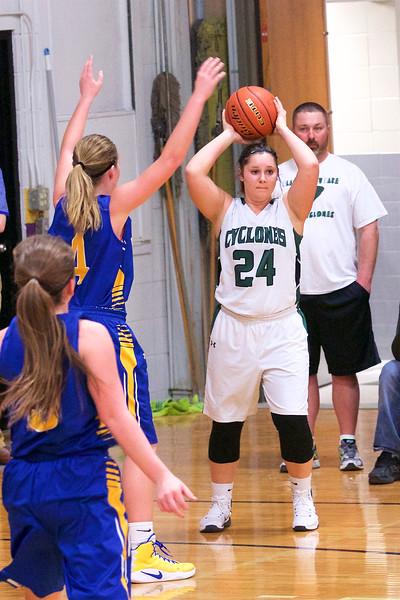 '17 Cyclones Girls Basketball 411.jpg
