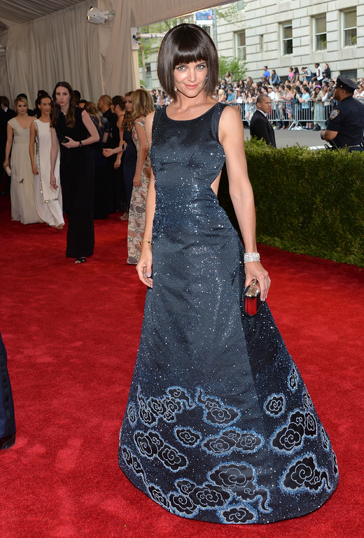 """. Katie Holmes arrives at The Metropolitan Museum of Art\'s Costume Institute benefit gala celebrating \""""China: Through the Looking Glass\"""" on Monday, May 4, 2015, in New York. (Photo by Evan Agostini/Invision/AP)"""