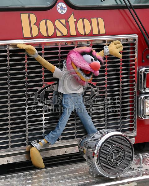 Boston Apparatus - April 2007 - 2 Alarms on Aspinwall Road