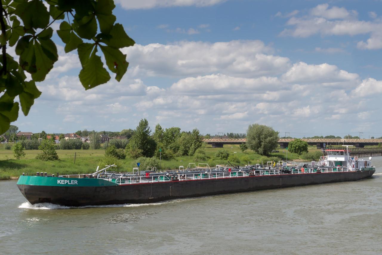 Tankers op de IJssel
