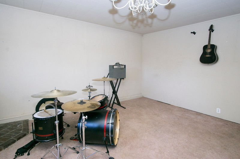 converted garage b.jpg