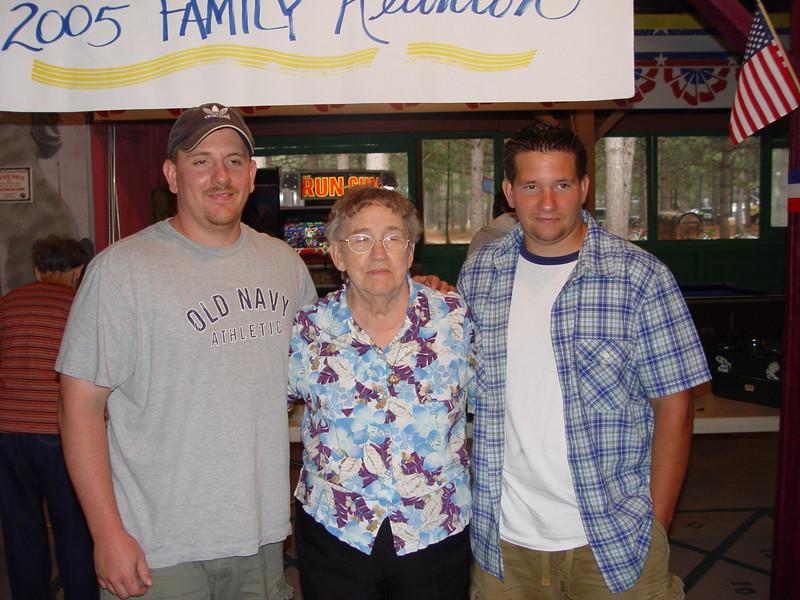 Nathan,Norma & Dean Brockway (July 2005).JPG