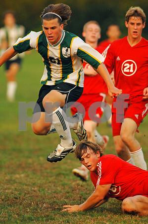 2007-10-10 Lynbrook Boys Soccer vs Island Trees, 2-2