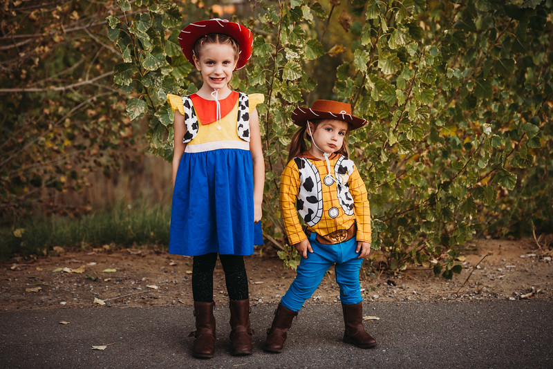 Madi and Abby Halloween 2019-9580.jpg