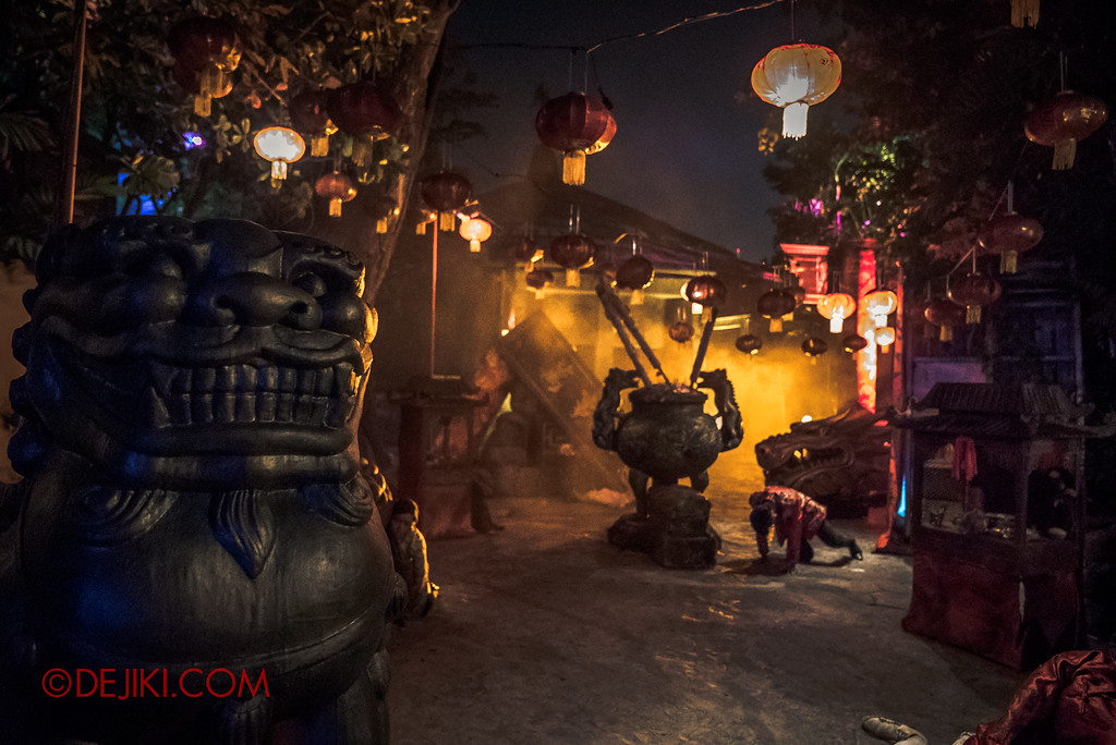Halloween Horror Nights 7 Review - Happy Horror Days scare zone / Chinese New Year