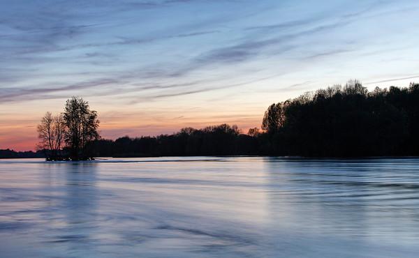 La Loire nocturne à Courpin