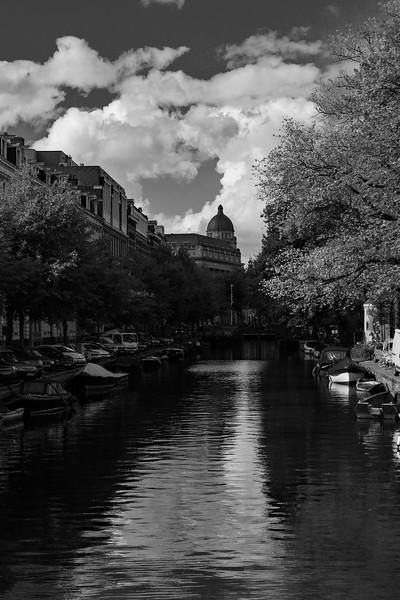 AmsterdamCanalDomeBW.jpg