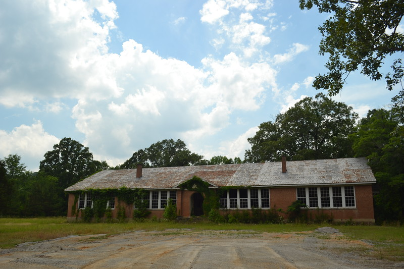 001-abandoned-school-reform-ms_14094371850_o.jpg