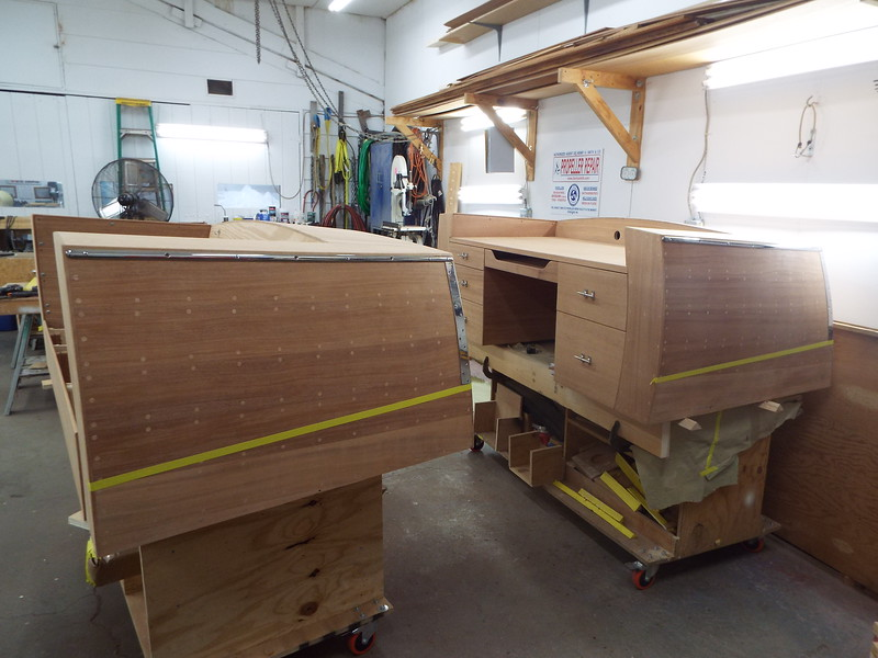 Port side with stainless rail and transom guards  fit.