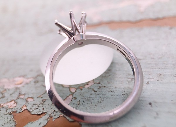 Platinum BGD Solitaire Mounting