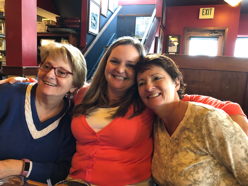 Sisters Ronna (left) and Wendy (right) with niece Maggie.