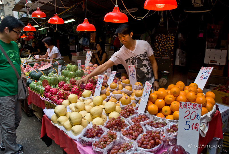 aeamador©-HK08_DSC0239 Saukiwan market. Saukiwan, Hong Kong island.  Well, it's just an outdoor supermarket - this stuff looks as imported as you find in you local grocery store.