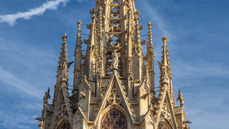 0045 Barcelona Basilica 16x9.jpg