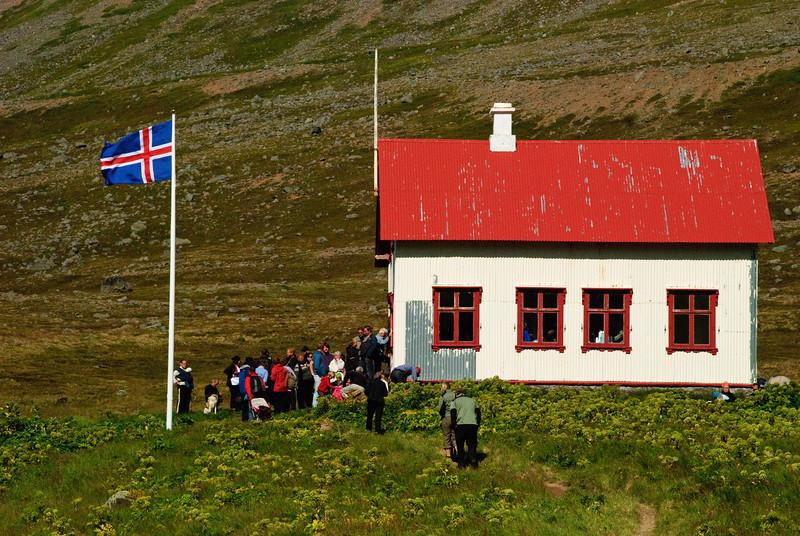 Aðalvík - Staður. Prestbústaðurinn. 2010. Messukaffi í prestsetrinu.