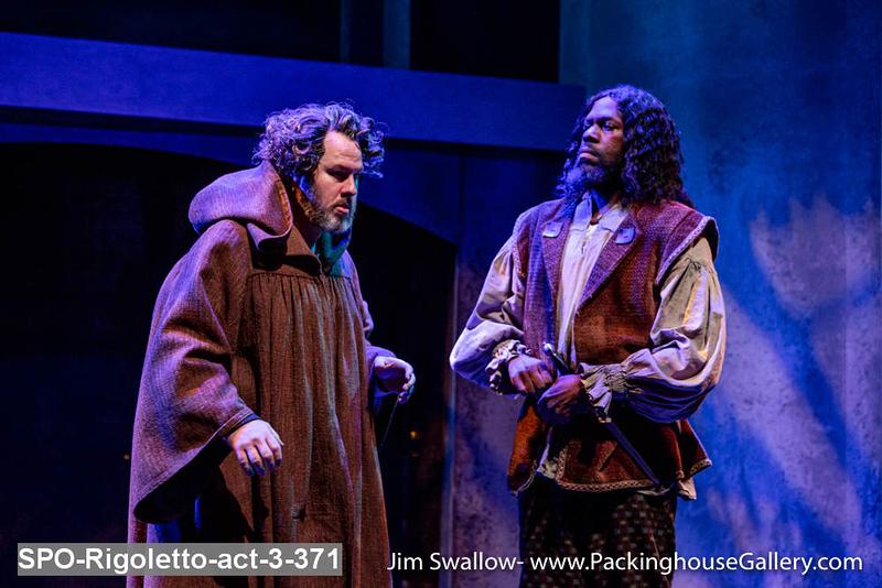 SPO-Rigoletto-act-3-371.jpg