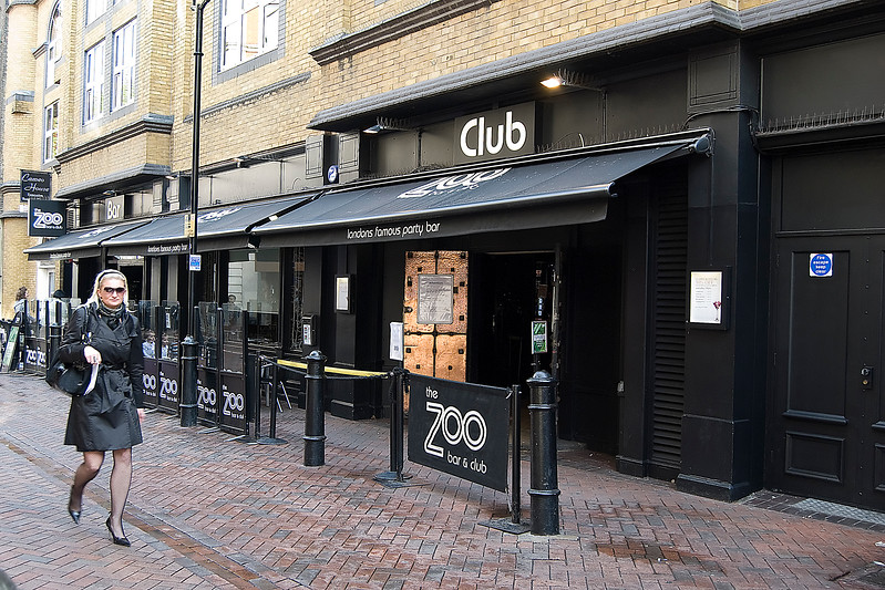 zoo bar.jpg