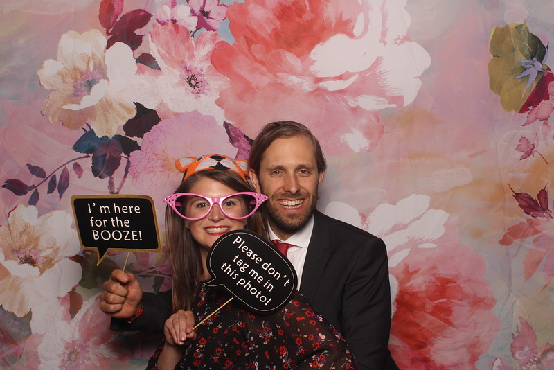 MangoStudios_Photobooth_Catherine and Sean23.jpg