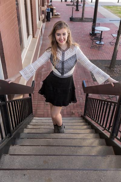 Samantha in Old Town-2-33.jpg