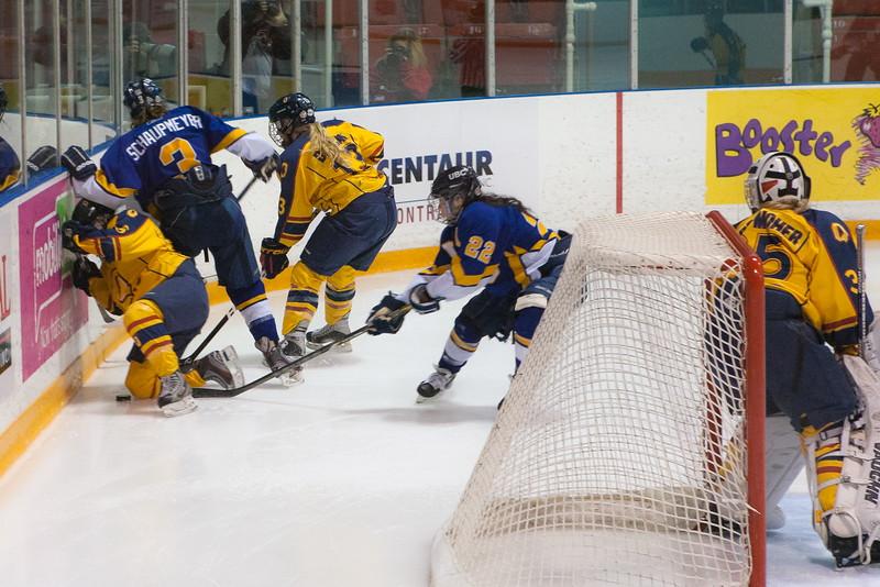 20130310 QWHockeyvsUBC 238.jpg