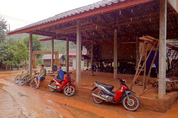 A Rainy Bike Ride in Muang La